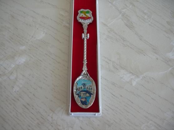 Annonce occasion, vente ou achat 'cuillère collection italie venise'