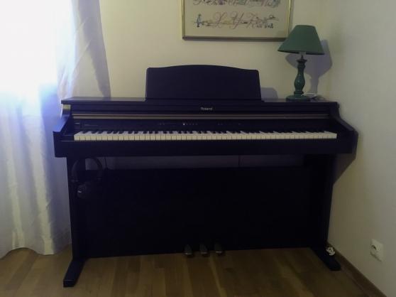 Annonce occasion, vente ou achat 'Piano Roland HP 102e'
