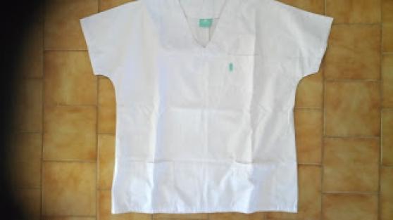 2 tuniques médicales T4 pour femme