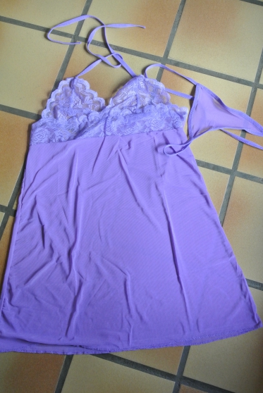 Annonce occasion, vente ou achat 'Nuisette sexy violette T 38'