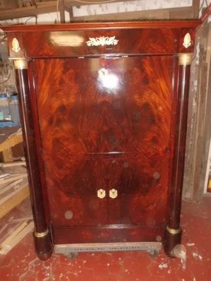 restaurateur de meubles anciens est réce