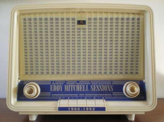 Poste radio collector Eddy Mitchell
