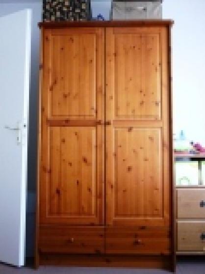 armoire ling re en pin teint miel meubles d coration. Black Bedroom Furniture Sets. Home Design Ideas