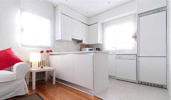 Moderne appartement avec deux chambres à - Photo 4