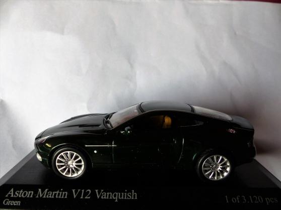 ASTON MARTIN V12 MINICHAMPS 1/43ème