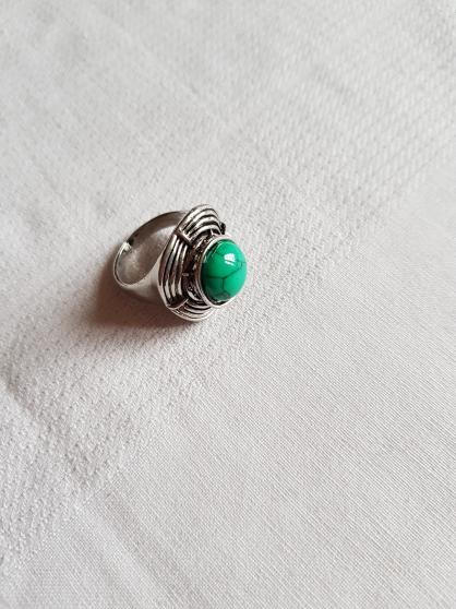 Annonce occasion, vente ou achat 'bague métal coeur vert émeraude'