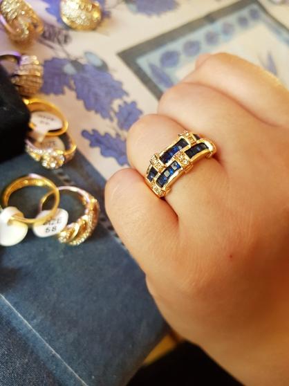 Annonce occasion, vente ou achat 'bague damier bleu saphir'