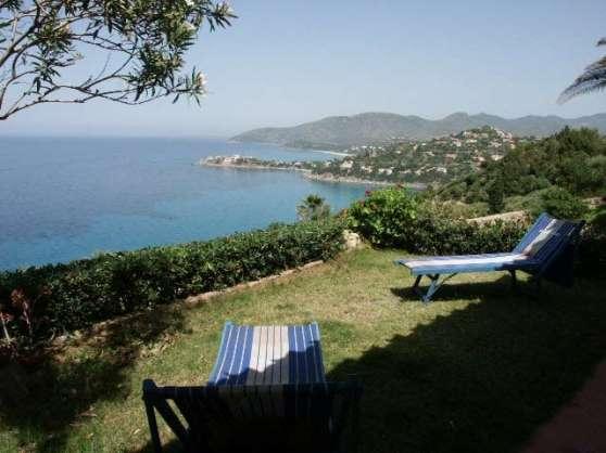 Villa en Sardaigne jardin vue mer