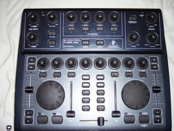 controleur midi usb behringer bcd2000 la garde audio t l dvd cd divers la garde. Black Bedroom Furniture Sets. Home Design Ideas