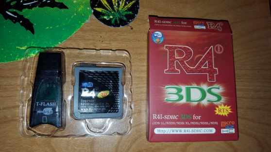 R4i-SDHC 3DS