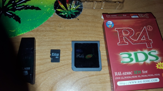 R4i-SDHC 3DS - Photo 2
