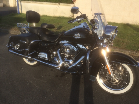 Annonce occasion, vente ou achat 'HARLEY DAVIDSON ROAD KING CLASSIC'