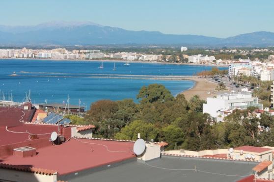 Apt 2ch grande terrasse vue mer à Rosas