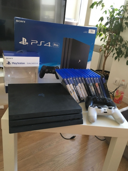 PS4 Pro 1TO très bon état
