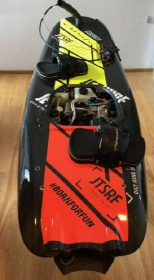 Jet Surf Race entièrement en carbone