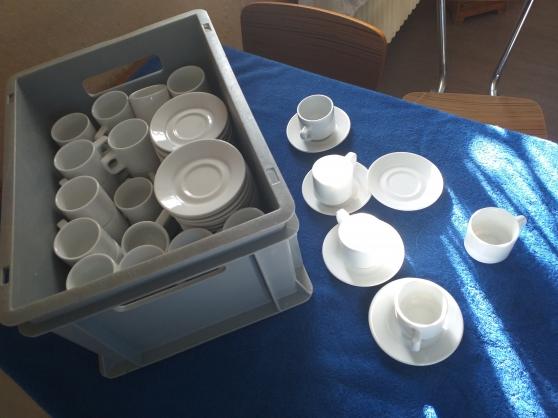 45 tasses & sous tasse à café ceramique