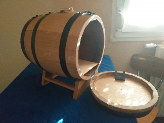 2 tonneaux en bois pour cubi