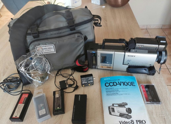 Annonce occasion, vente ou achat 'Caméscope Sony CCD-V100e'