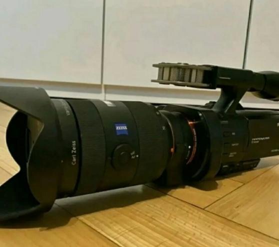 Annonce occasion, vente ou achat 'Caméscope Sony NEX-VG900/PRO + objectif'