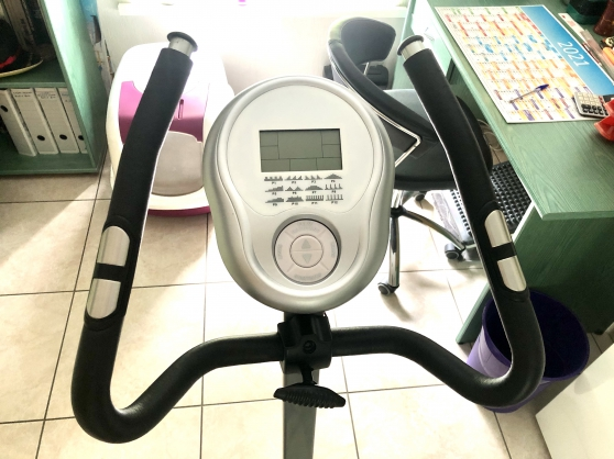 VENDS VELO D\'APPARTEMENT V-TRAINER CARE - Photo 2