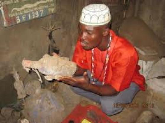 Grand sorcier marabout africain a votre