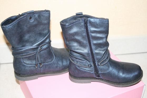 Annonce occasion, vente ou achat 'A vendre bottes fille'