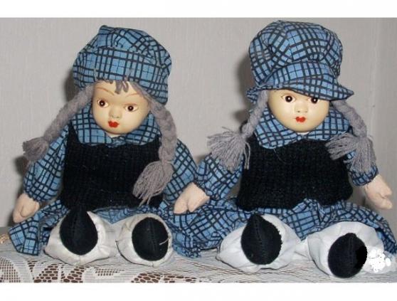 Poupée ( Les Deux Jumelles )