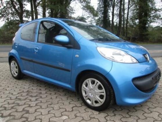 Peugeot 107 Filou 1.0 Ltr 50 kW (68ch) b