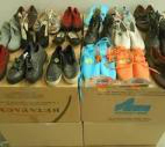 lot de chaussures enfant petite taille
