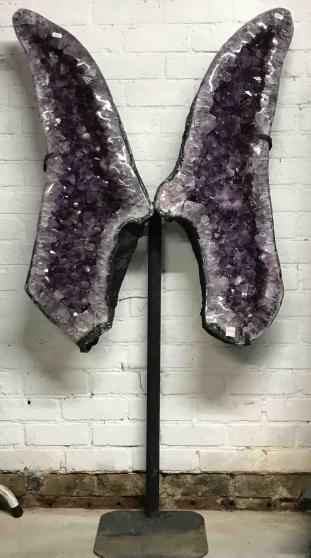 Géode d'Améthyste papillon sur pied - H: