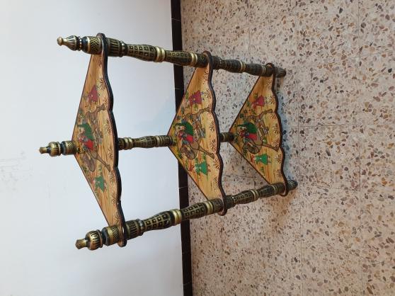 Guéridon d'angle art hindous