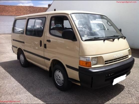 Toyota HiAce 2.4D H15 9 Places