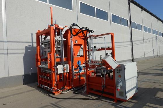 Machine de blocs SUMAB R-300