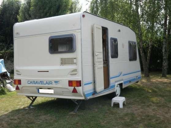 caravane caravelaire bahia 460 caravanes camping car caravanes caravelaire arzacq arraziguet. Black Bedroom Furniture Sets. Home Design Ideas