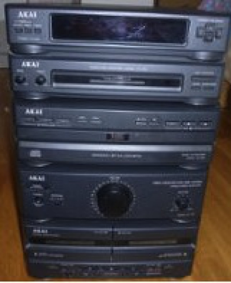 chaîne AKAI MX-570