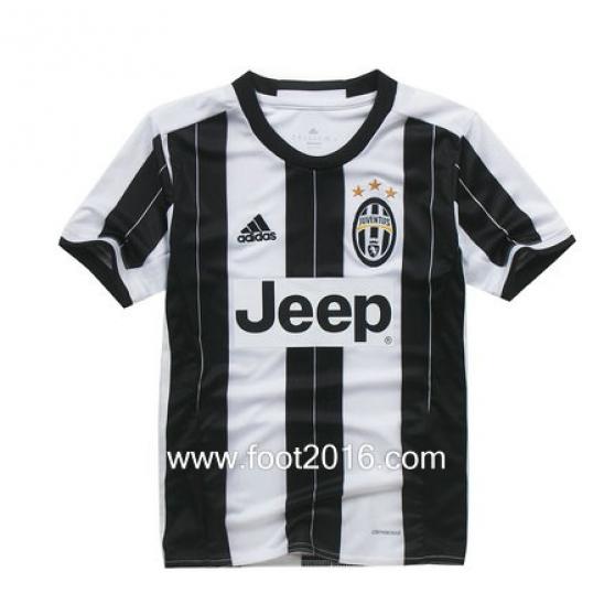 Nouveau maillot domicile de Juventus 201