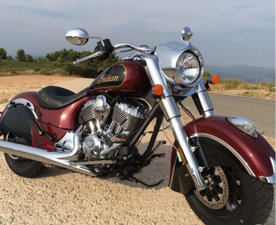Annonce occasion, vente ou achat 'Indian Chief Classic Burgundy/Thunder Bl'