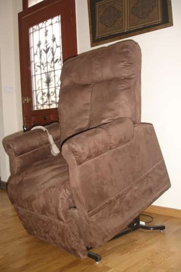 Annonce occasion, vente ou achat 'fauteuil releveur (THUASNE)'
