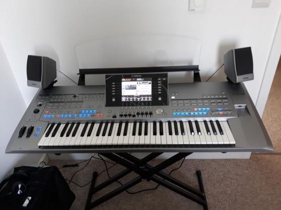 Annonce occasion, vente ou achat 'Yamaha Tyros 5 clavier électrique'