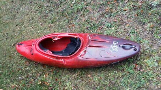 kayac spy 235 neuf 4 sortie