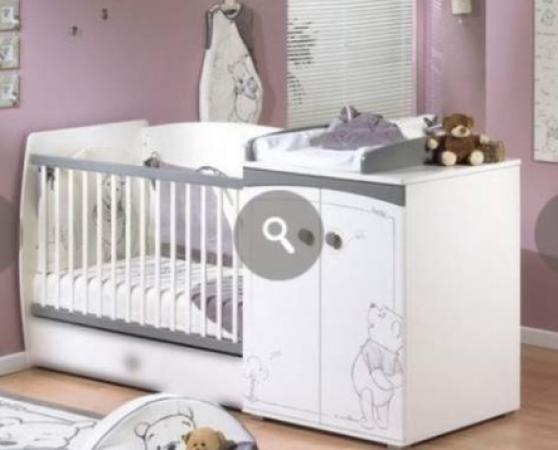 Lit bébé évolutif Winnie l\'ourson - Marche.fr