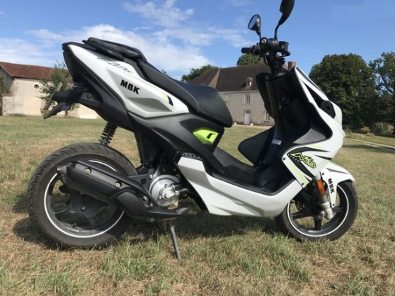 """Scooter """"MBK NITRO NAKED"""" 50cc excellent"""