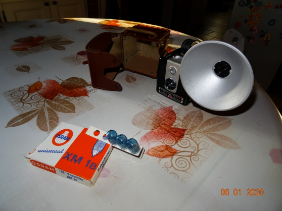 Kodak Brownie Flash Camera - Photo 2