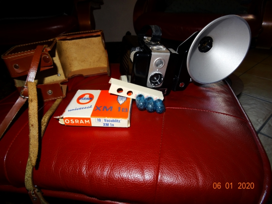 Kodak Brownie Flash Camera - Photo 4