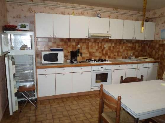 Annonce occasion, vente ou achat 'loue appartement F3 dans maison'