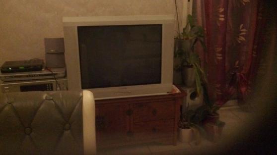Annonce occasion, vente ou achat 'TELEVISEUR 70 CM + HOME CINEMA'