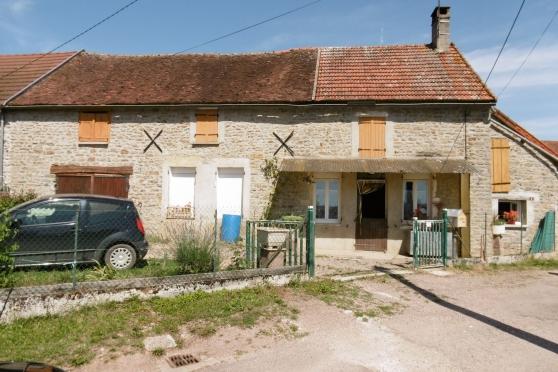 Maison proche N6 et Liernais