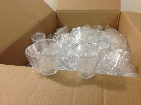 lot de tasses en matière plastique - Photo 2