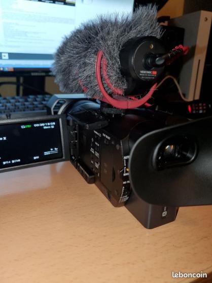 Camescope Ax700 sony