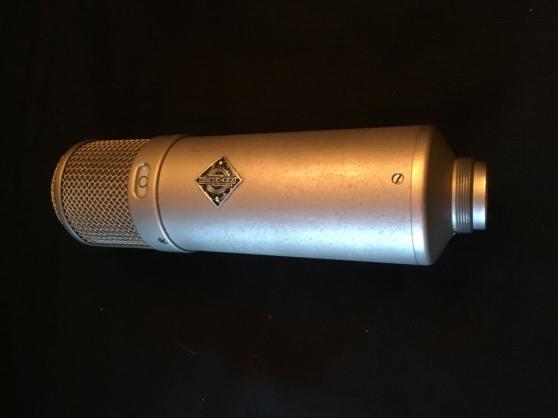 Neumann U47 microphone à lampe